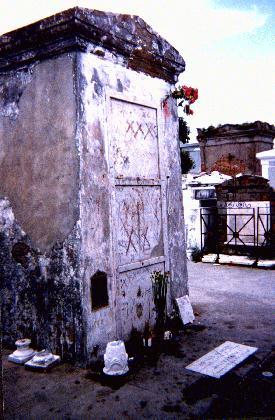 Marie-Laveau's  tomb